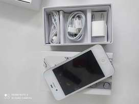 Apple iPhone 4s brand new Pack all accessories