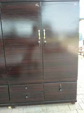Wardrobe (cupboard) gor sale in Reason able prices