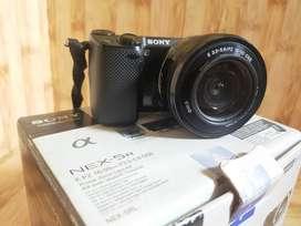 Mirorles Sony Nex-5RL fullset lensa 16-50mm mulus 98%