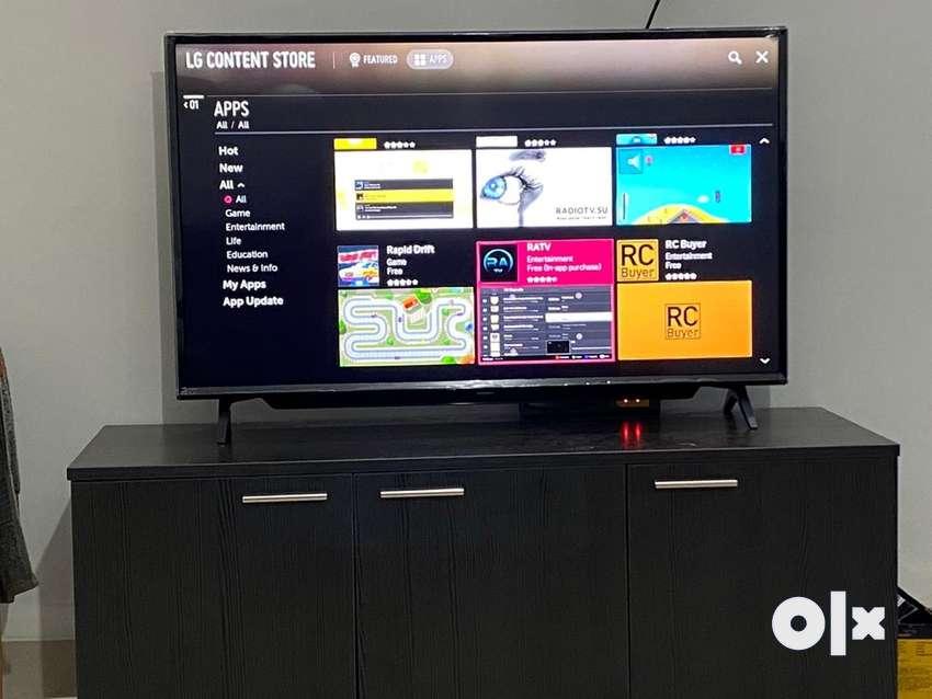 Tv - 4k, 43 inches needs repair