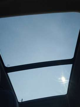 HIGH END OPEN ROOF CAR TRAVELS