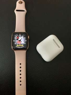 BUNDLE APPLE WATCH SERIES 4 PINK SAND SIZE 40mm + AIRPODS GEN 1