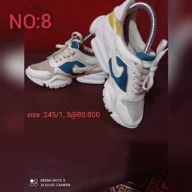 Sepatu second import
