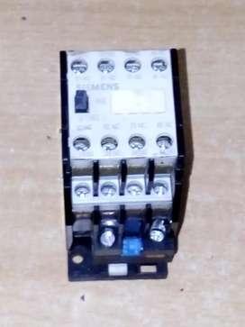 Magnetic contactor/kontaktor Siemens type 44e 4No 4Nc 220V