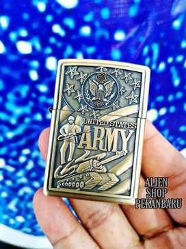 Korek api Zippo motif timbul gold army