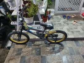 Sepeda anak kondisi seadanya