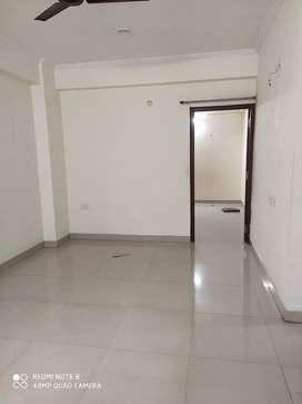 2bhk flats on rent near Lanka Truma centre prime location