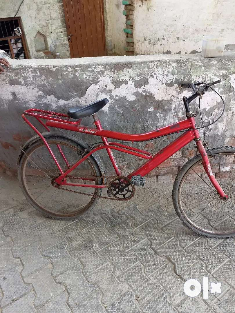 Cycle in good condition tyre problem and break break problem only
