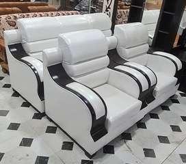 Regzine Sofa Set.