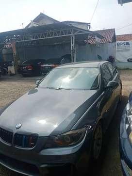 BMW 2005 320i istimewa