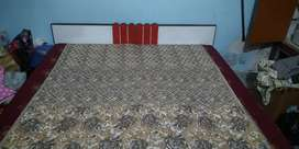 Simple Double bed widout box bt gud condition