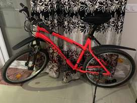 Brand new BTWIN rockrider 340 cycle for sale only 6 months old