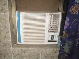 Pona ton dc inverter gree best condition 10/10 with remote control