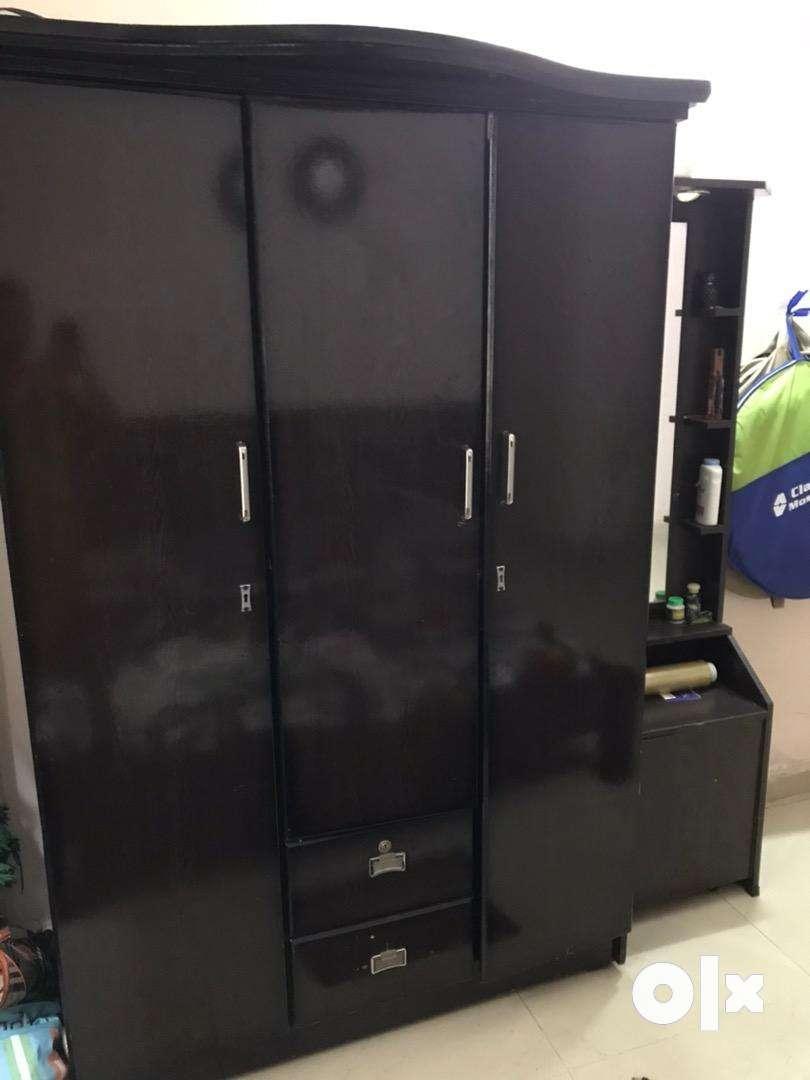 3door wooden wardrobe 0