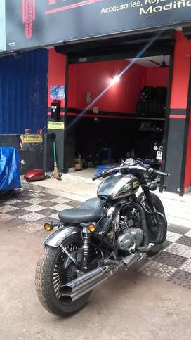 royal enfield 500 .  Modified Gud condition