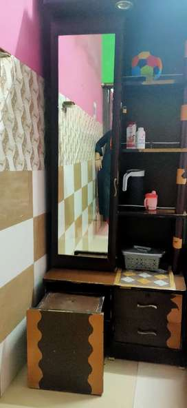 Dressing table in good condition  with seat stool