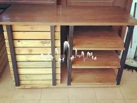 Meja kayu Solid