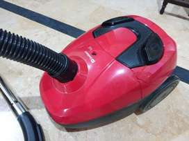 Dawlance Vacuum Cleaner (DWC 770 Red)