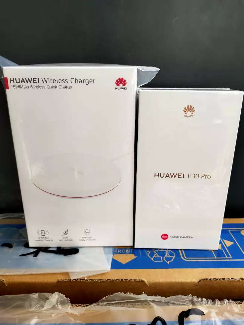 Huawei P30 Pro + Wireless Charger. New Segel 0