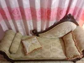 Couch for sale urgently