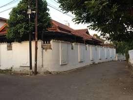 Disewakan rumah di Cipete, Belakang Sekolah Perancis