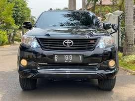 Toyota fortuner 2.7 V 2014 AT 4x4 Interior hitam