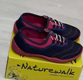 Pink and Navy shoes 5no.with box wear once but loose..