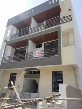 2 BHK BIG SIZE 2 SIDE OPEN BALCONEY FLAT FOR SALE