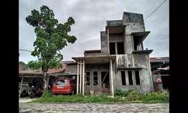 Rumah 2 lantai(sesuai foto)