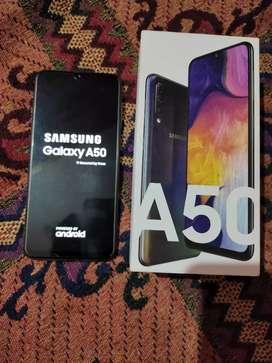 Samsung galaxy A50 in mint condition 4gb/64gb