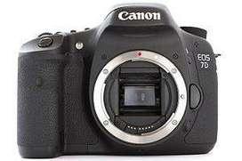 USED Canon 7D SLR Camera + Lens + Tripod + Accessories