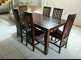 Meja makan minimalis material kayu jati AJF19