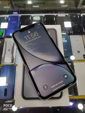 Apple iPhone XR 128GB under Indian Warranty at just 40900