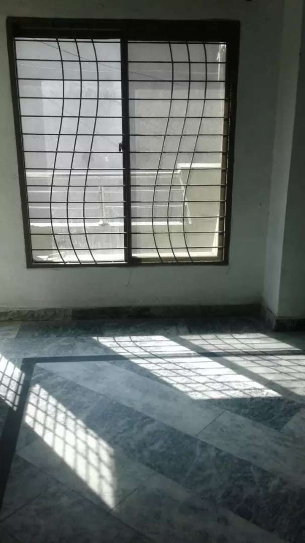 Upper portion for rent near college road lahor for bachelors of family 0