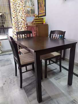 4 chairs with dining table