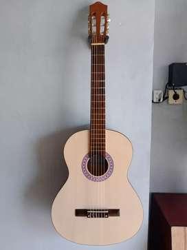 Gitar Yamaha Klasik Nilon Baru