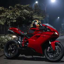 Dijual Ducati Superbike 848 evo tahun 2011