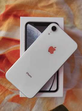 Iphone XR 64 Gb white colours month use full kit and warranty for sale