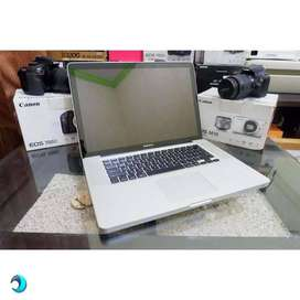 Macbook Pro 2011 core i7 MC723LL 15in Radeon 6750m SSD HDD Sc^PacM