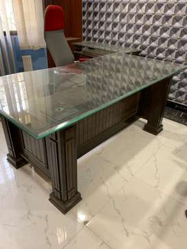 Executive Office Table with Side Rack
