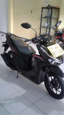 All new vario 125  promo dp murah hanya di putra tunggal motor