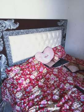 Bed, side tables, dressing table and wordrobe