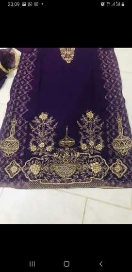 Chineyere Suit for Sale