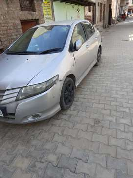 Honda City 2010, urgent sell, only interested buyers allowed to call