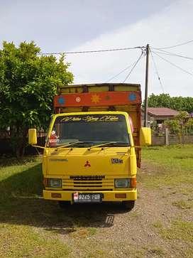 Jual truk bak kayu Mitsubishi  dan dum truk tahun 2005 120ps hd