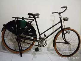 Sepeda Antik Onthel Rambler