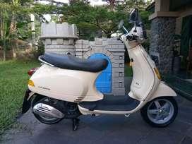 Vespa LX 150 2Vie 2012 Akhir Good Condition