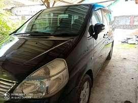 Dijual mobil Nissan Serena Highway tahun 2004