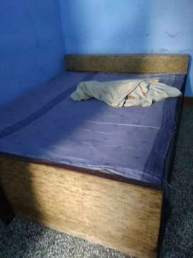 Bed Available 6*5