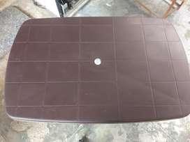 Neelkamal folding table
